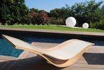 Tumbona de madera modelo Nami.