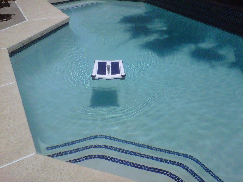 Solar Breeze. Robot limpiahojas solar