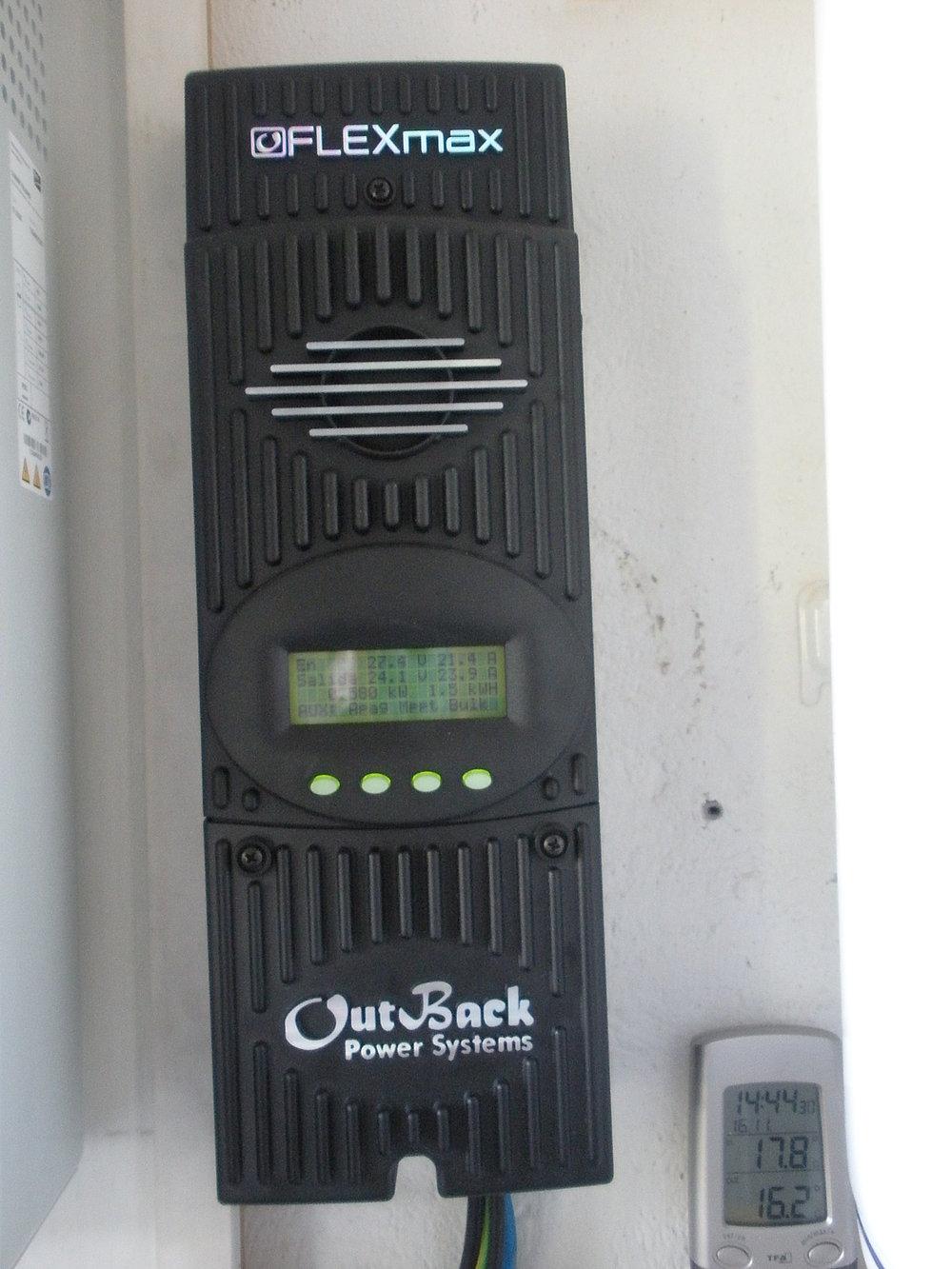 Regulador OutBack FlexMax60 MPPT 80A, tensión 12-60 V