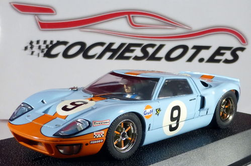 FORD GT 40 GULF JW AUTO REF.H2403 SUPERSLOT SCALEXTRIC UK
