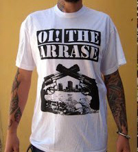 Camiseta blanca Oi! the arrase Pistolas