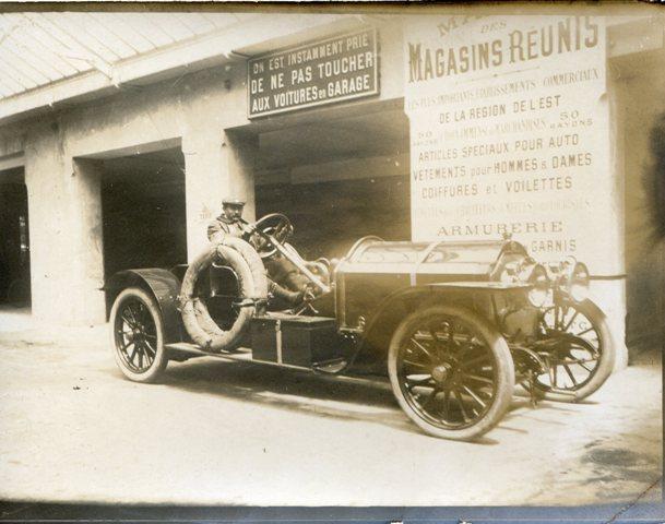 Epinal 88 Maison Des Magasins Réunis Vers 1910 Automobile Au