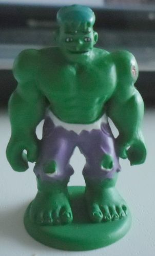 FIGURINE hulk sur socle marvel (4 ctm)