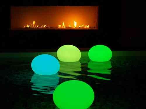 Luz decorativa para piscinas y estanques