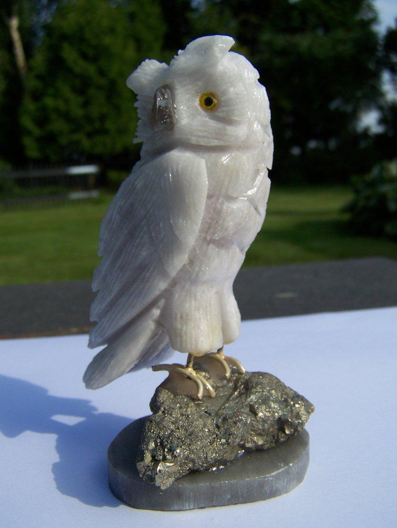 Edelsteen_sculptuur_witte_uil_03.1.jpg