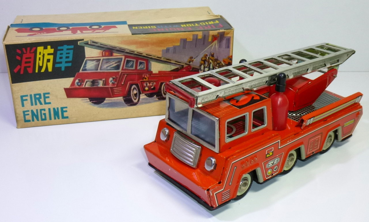 Chinese MF 183 # 1960's Blikken Brandweerwagen / Fire Engine in Original Box !!
