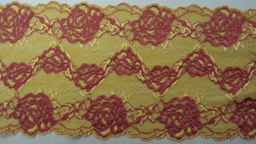 Knitted lace gold with bordeaux